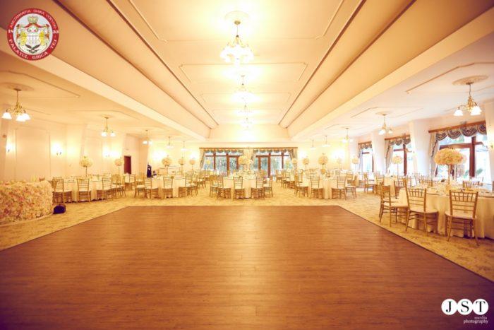 O sala de bal mare de la Palatul Ghica Tei
